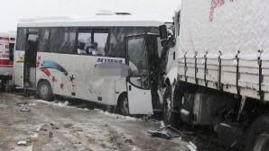 Beyşehir-Konya Yolunda Trafik Kazası : 20 Yaralı