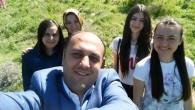 Başkan Özaltun Öğrencilerle Selfi Yaptı